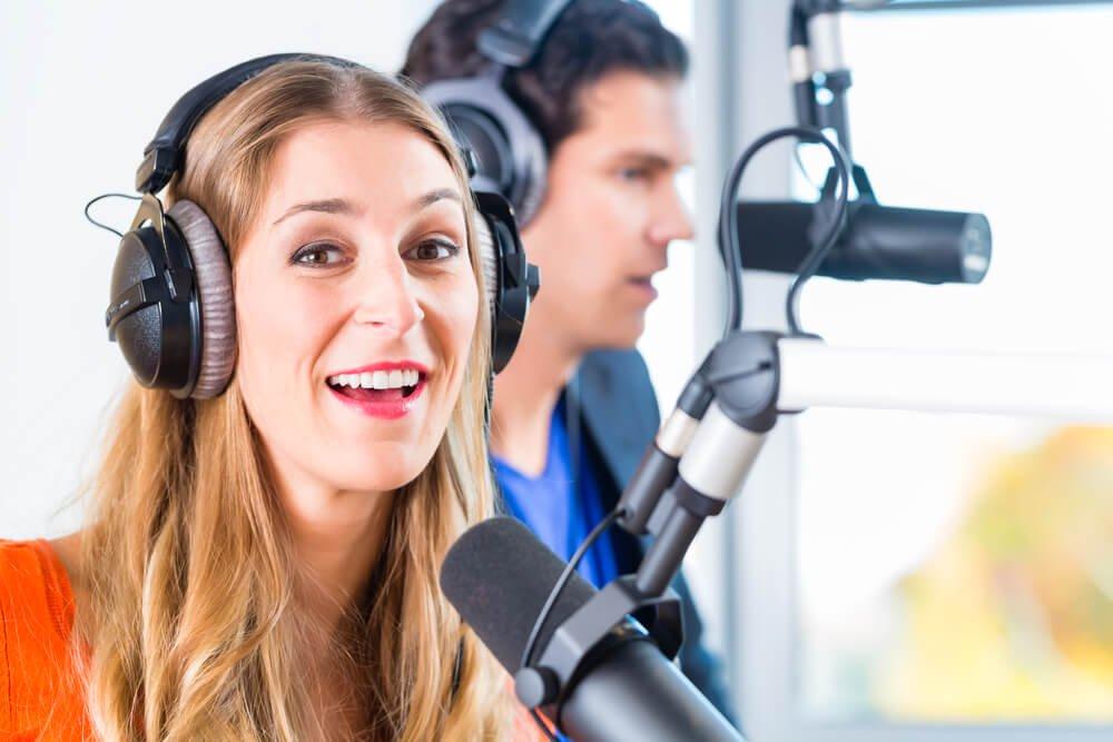 Como especialistas montam programas de rádio?